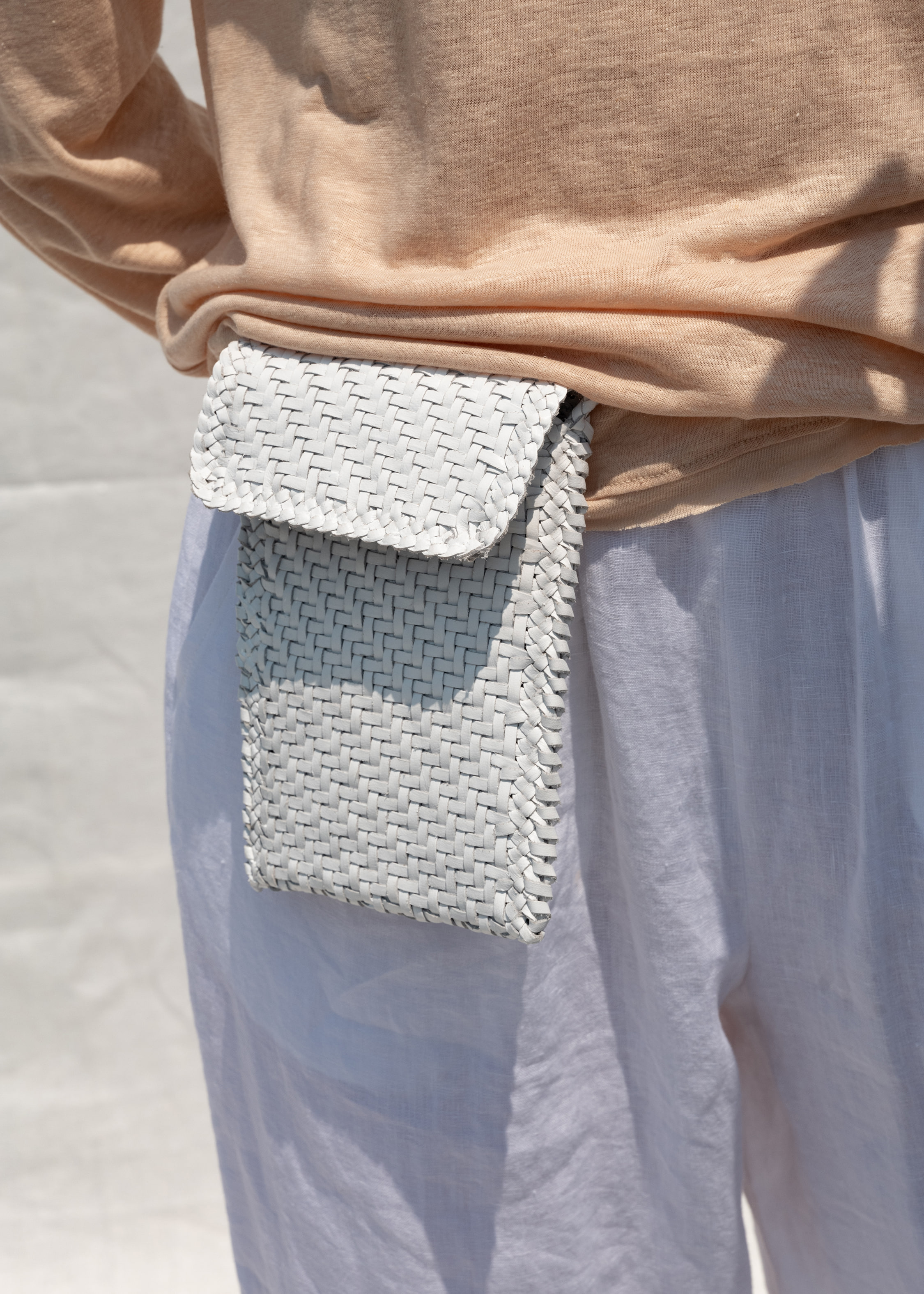 Phone cross body_white